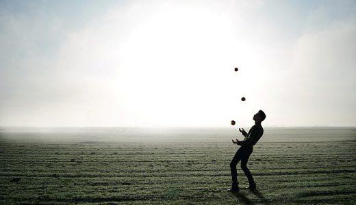 テニス面白動画 トリックアクションの最先端?ステファンボジックのトリックアクション。ラケットくるくる~